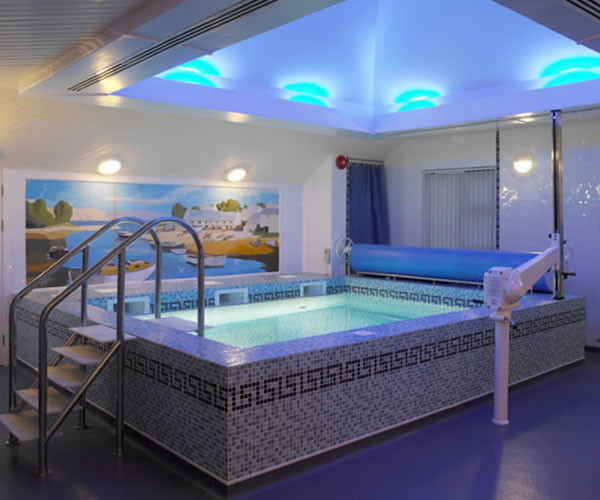 Indoor-Swimming-Pool-For-Homes