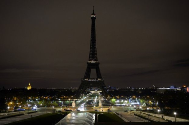 eiffel-tower-paris-attacks