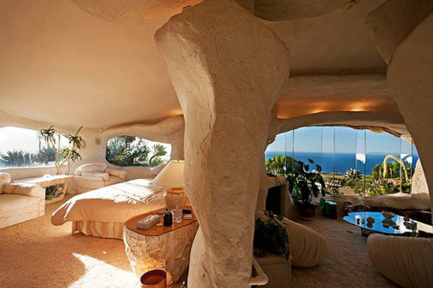 Dick Clark S Malibu Flintstones Home My Daily Magazine