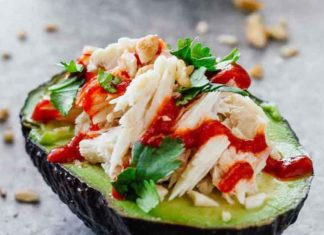 This Spicy Tuna Avocado Recipe Is The Best Snack